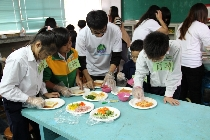 101-1餐旅系專題討論:互動式健康餐飲教育對小孩飲食概念的影響